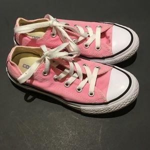 Converse Pink Low Tops Youth Sz 13 Great condition